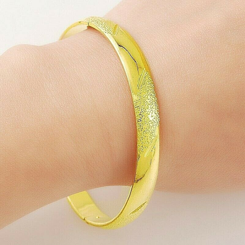 Primary image for Diamond Cut Hinged Bangle 24K Gold NEW