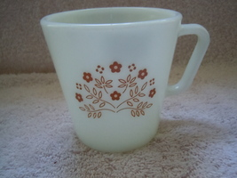 Vintage Summer Impression Ginger Brown Flower Pyrex Mug - $2.99