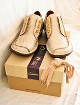 Clarks 'Funny Dream' Casual Shoes Lace-Up White/Gold Size 5UK - $67.03