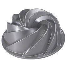 Decorative Cake Pan Heritage Bundt Swirls Baking Holiday Party Petals Bu... - $1.054,89 MXN