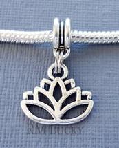 Lotus Flower Charm Bead Pendant. Fits European charm Bracelet or necklac... - €2,52 EUR