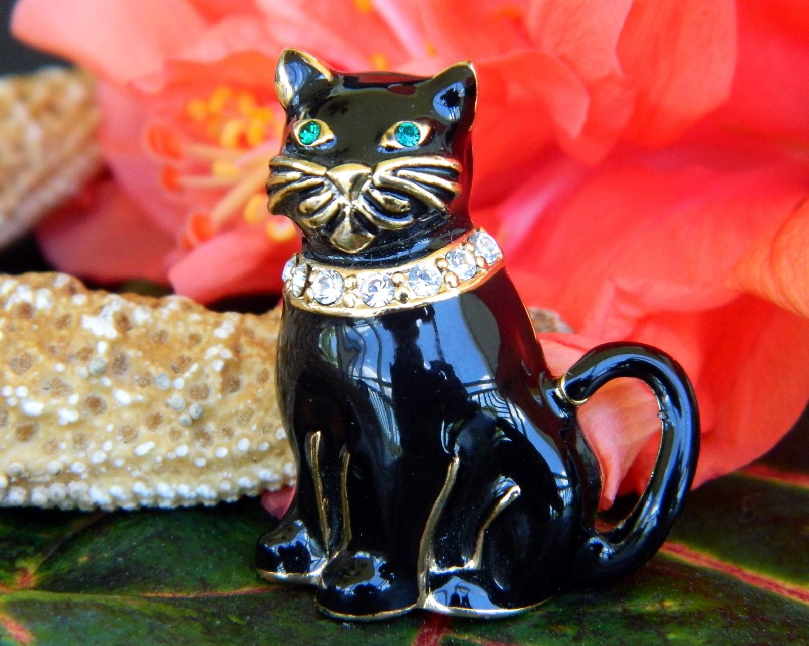 Vintage Monet Black Cat Brooch Pin Enamel Rhinestones Collar Figural image 7