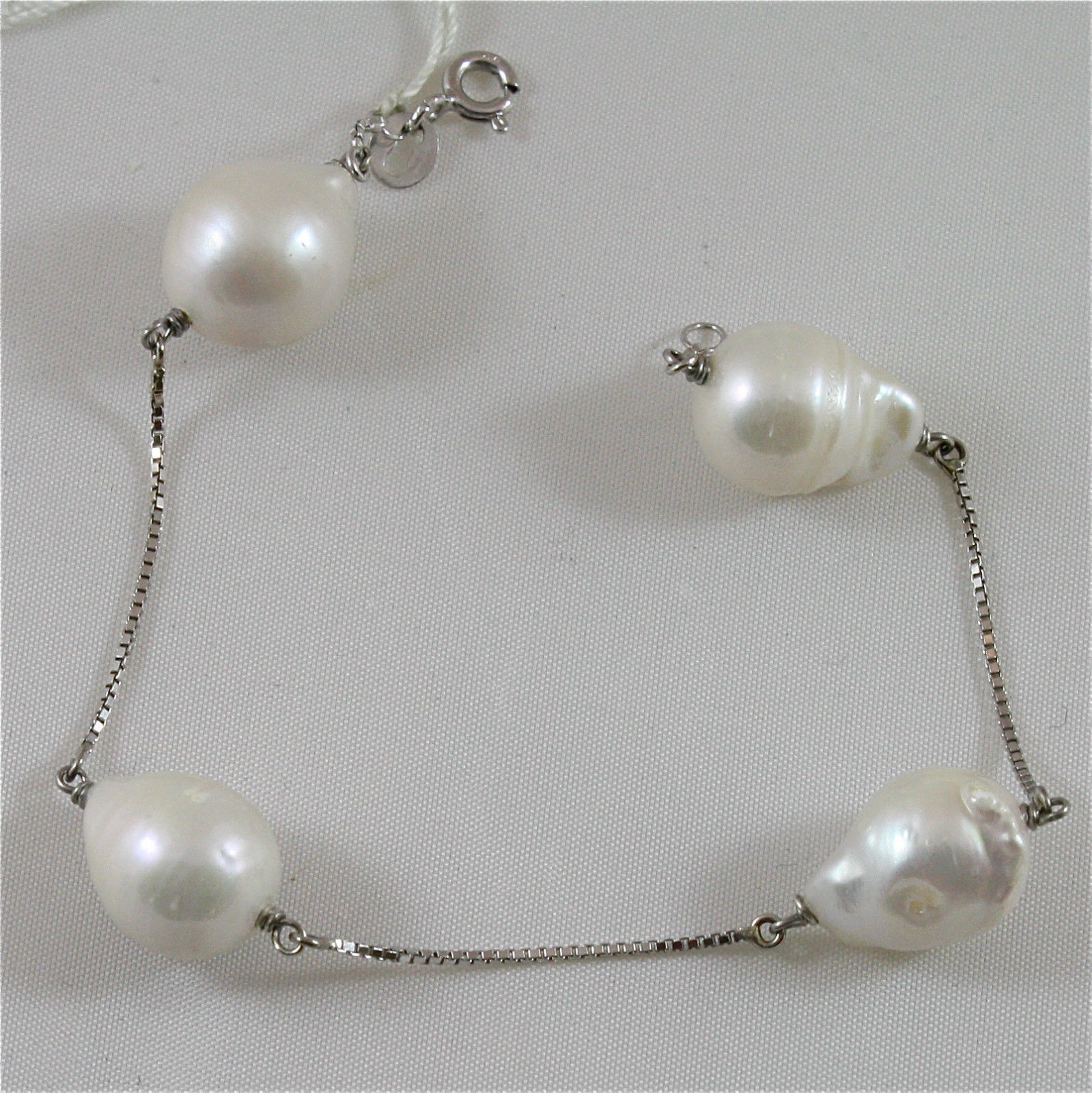 18K WHITE GOLD WITH WHITE DROP PEARLS (13-14 MM DIAM.) BRACELET