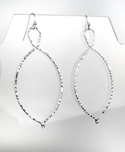 CHIC Lightweight Urban Anthropologie Thin Silver Hammered Metal Dangle E... - $15.99