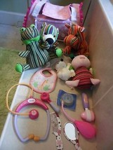 Mattel Barbie Hug N Heal Plush Pet Vet Bag W 5 PETS,4 Instruments,Mirror Comb + - $13.63