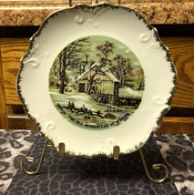 Vintage Currier & Ives The Old Homestead In Winter Hanging Decorative Pl... - $11.35