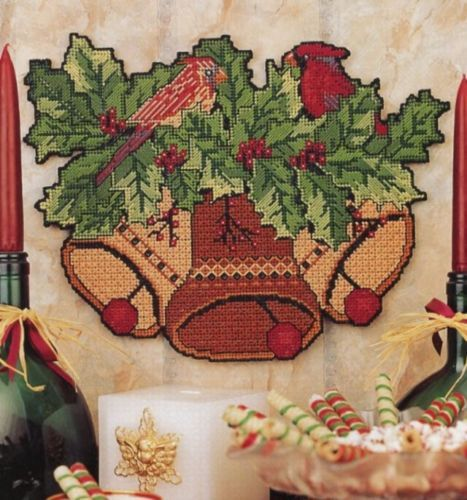 Christmas Festive Wall Hanging Bells Cardinal P-Canvas PATTERN/INSTRUCTIONS
