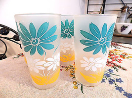 Swanky Swigs Aqua Yellow Daisy Frosted High Ball Tumblers Set Of Five - $18.81