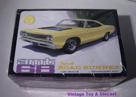 ~ AMT 1968 Plymouth Road Runner - 1:25 model ki... - $23.95