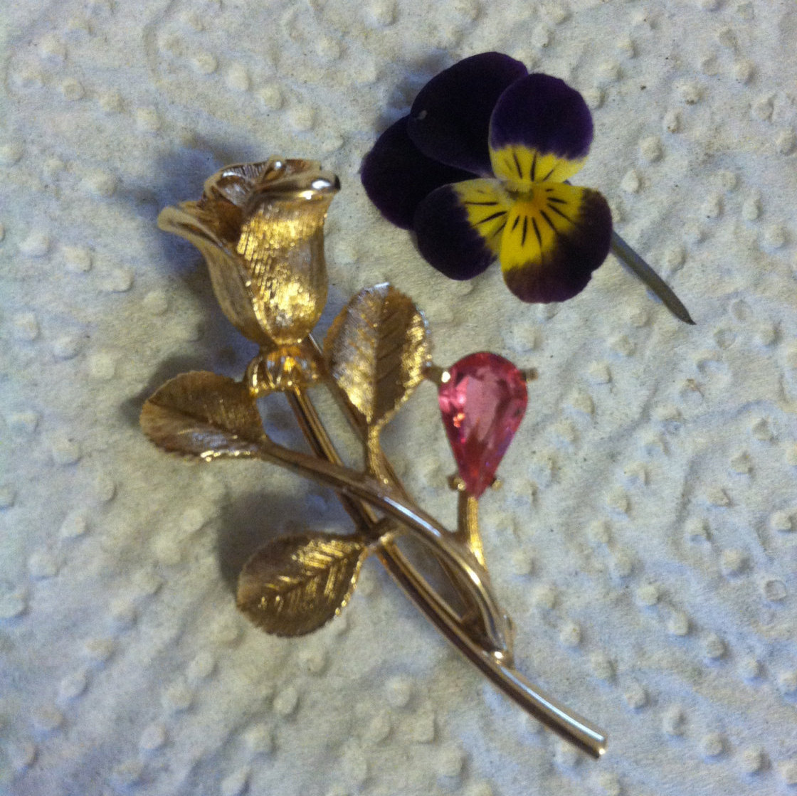 Rose Brooch Avon 1970s Brushed Gold Texture Pin With Pink Teardrop Shaped Rhines