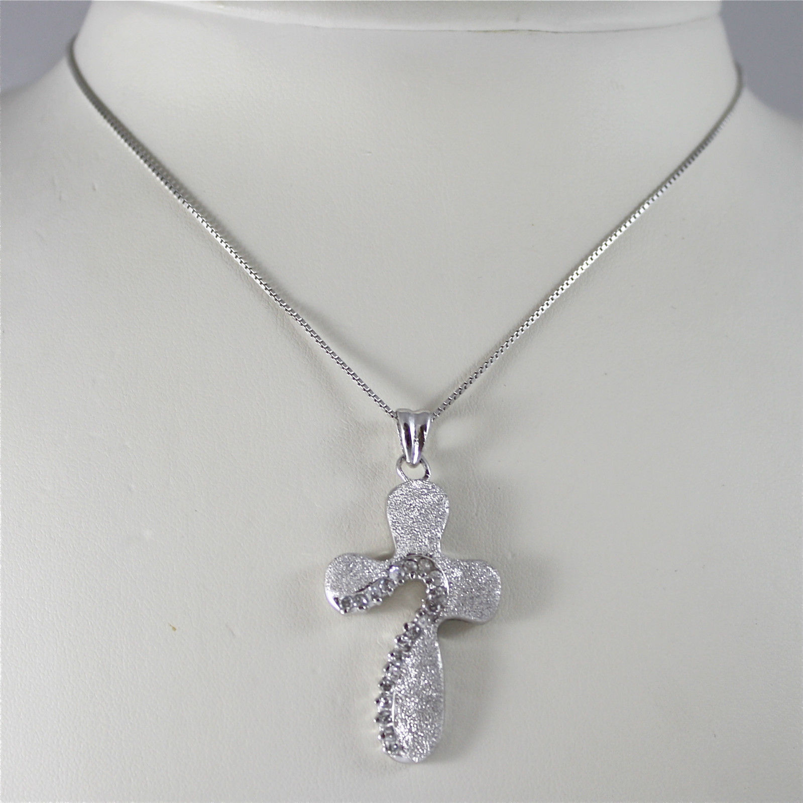 COLLANA IN ARGENTO 925 RODIATO, CROCE DIAMANTATA CON CRISTALLI INCASSATI