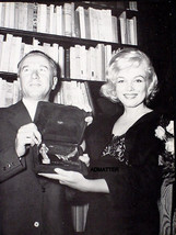 Marilyn Monroe Vintage Pin Up Poster Accepting Award Rarely Found Photo!! - $4.99