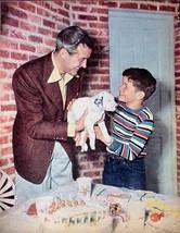 RAY MILLAND RARE 1949 PIN-UP MOVIE STAR POSTER AD CUTE PHOTO GIVING PUPP... - $4.99