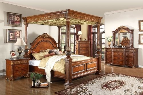 Meridian Royal Post Bedroom Set King Size 5pc. Traditional Antique Classic Style