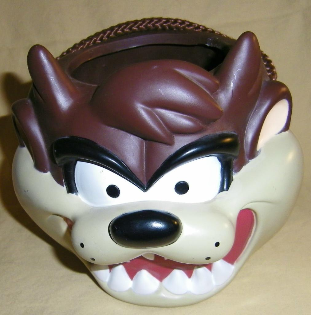 Rare TAZ OOP Warner Bros Applause Tasmanian Devil HALLOWEEN Candy Head BUCKET