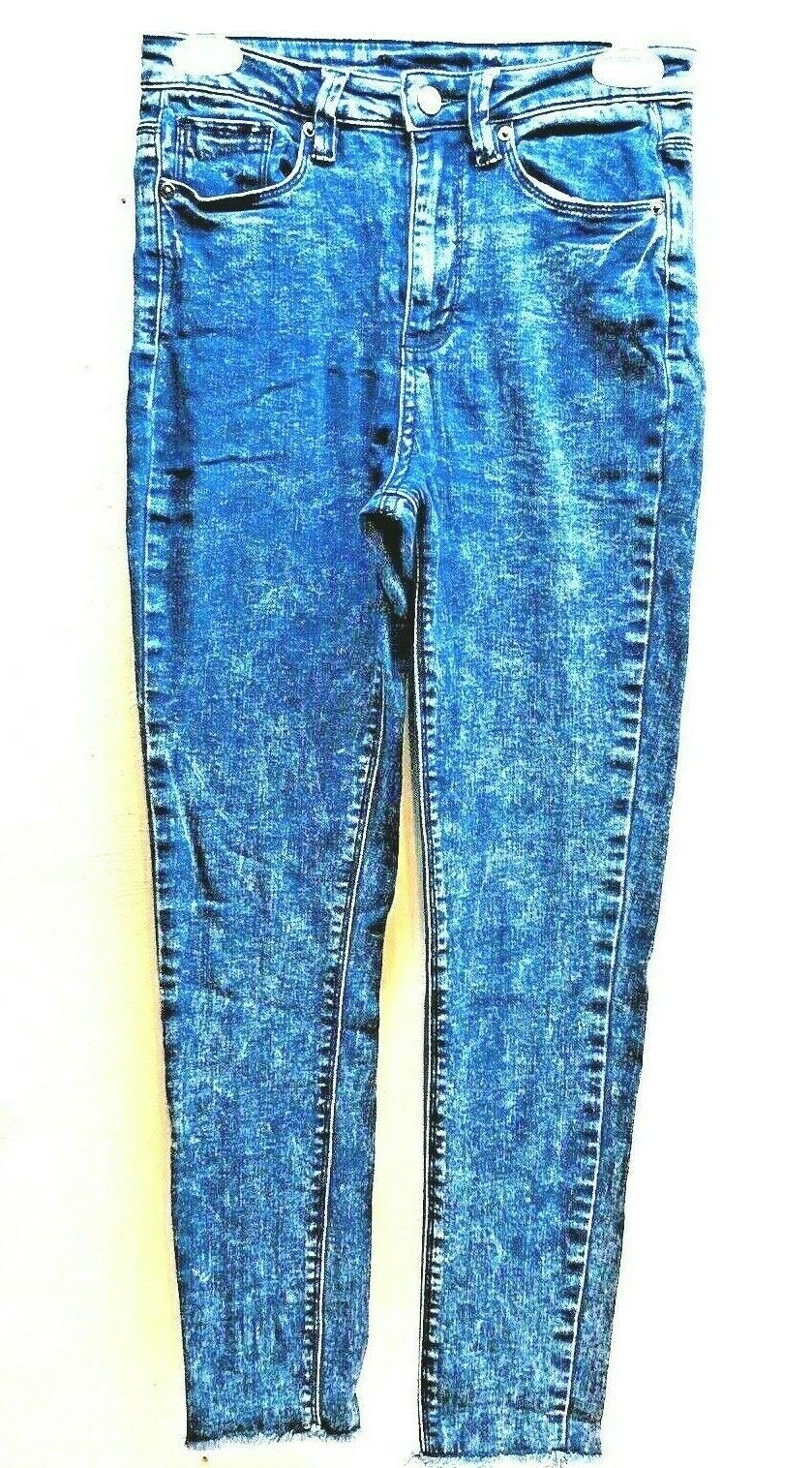 "Primary image for Forever 21 Acid Wash Blue Jean Capri 00 Small Skinny Denim Size 26.5""x 27"" 522"