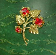 Vintage Unsigned beauty Brooch HUGE pin red rhinestones with flowers and leaves  - $50.00