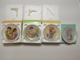 """Vintage Set Of 4 Avon Mothers Day Plates 1981 1982 1983 1984 5"""" Plates  - $17.41"""