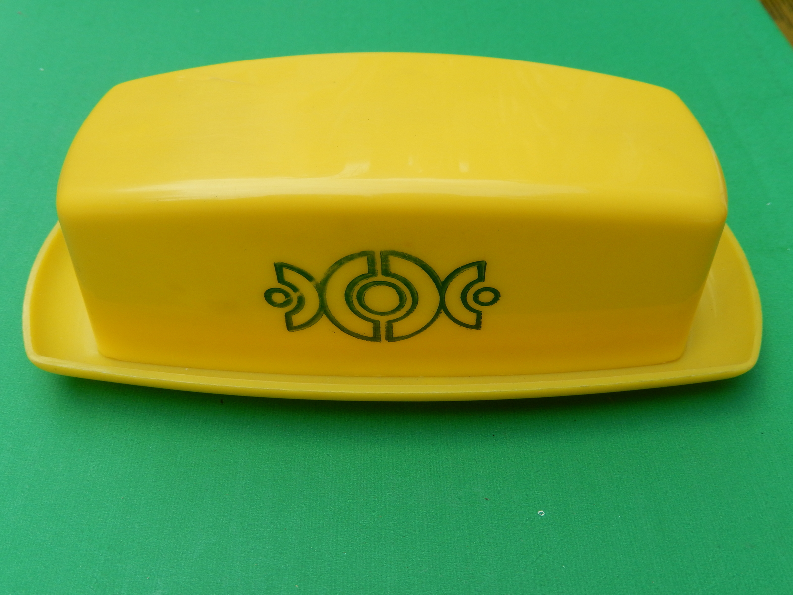 Vintage yellow plastic butter dish  1