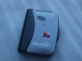 Sony Walkman WM-FX121 AM FM Radio Portable Cassette Player Working - $22.76