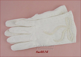 Vintage Ladies Beaded Bow White Gloves Size 7  (Inventory #M4614) - $28.00