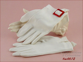 Ladies Vintage White Gloves with Faux Tortoise Buckle Size 7 (Inventory #M4612) - $12.00