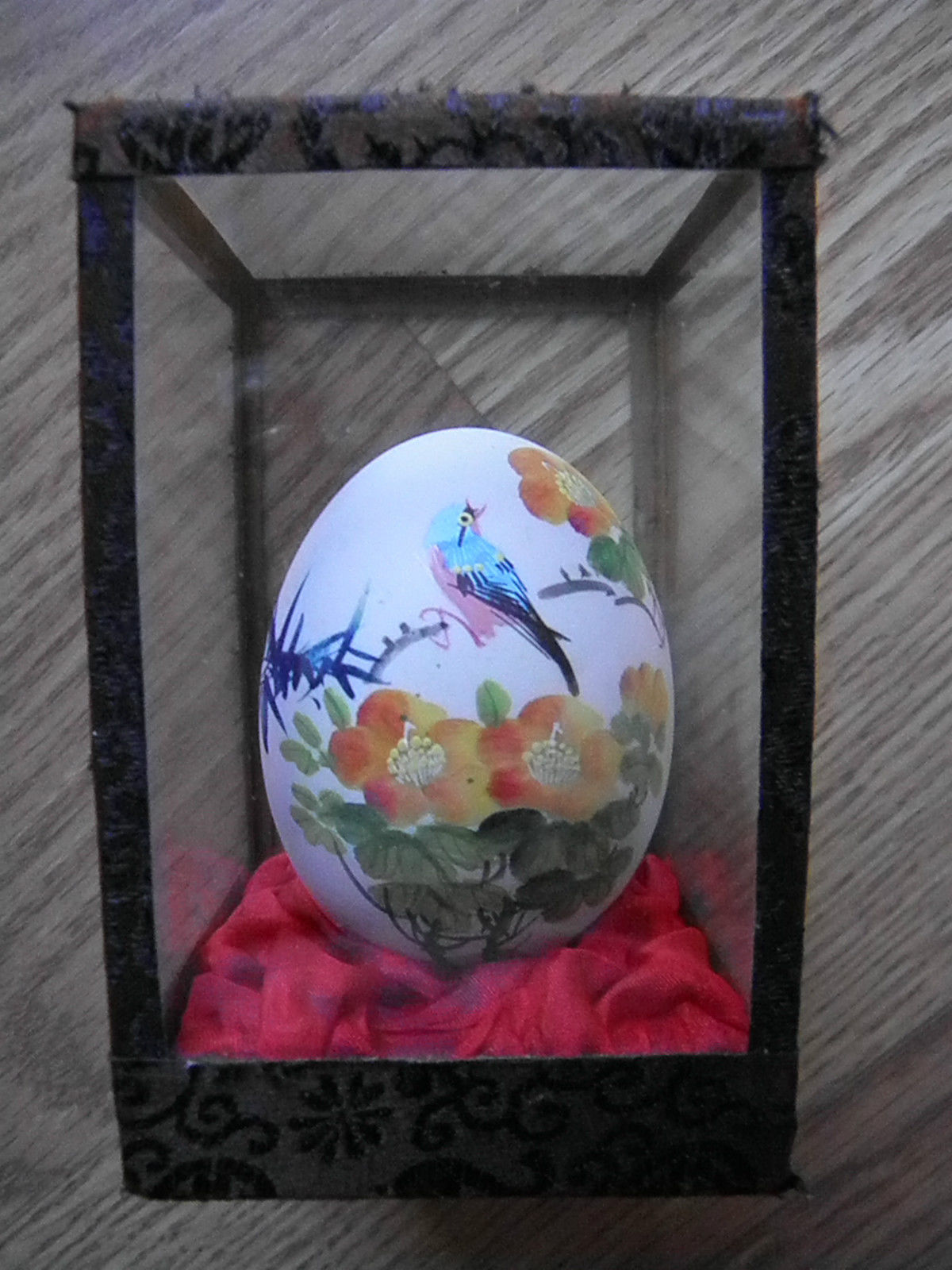 CASA TLALOC EGG IN GLASS WITH BIRD IN TREE