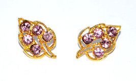 vintage leaf shaped pierced earrings leaves pink rhinestone gold filigree - $4.45