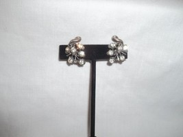 Vintage Signed Coro Silvertone Rhinestone Grapes Earrings Screw on Backs - $24.74