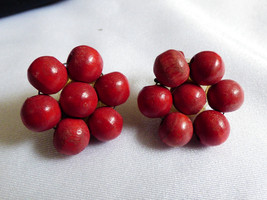 VTG Red beads cluster celluloid plastic clip earrings Old - $23.76