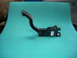 2013 FORD FOCUS GAS PEDAL BV61-9F836-AD