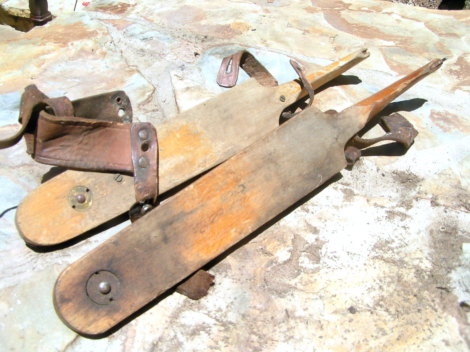 Vintage Ice Skate s Wooden Metal Canadian Leathers Marked