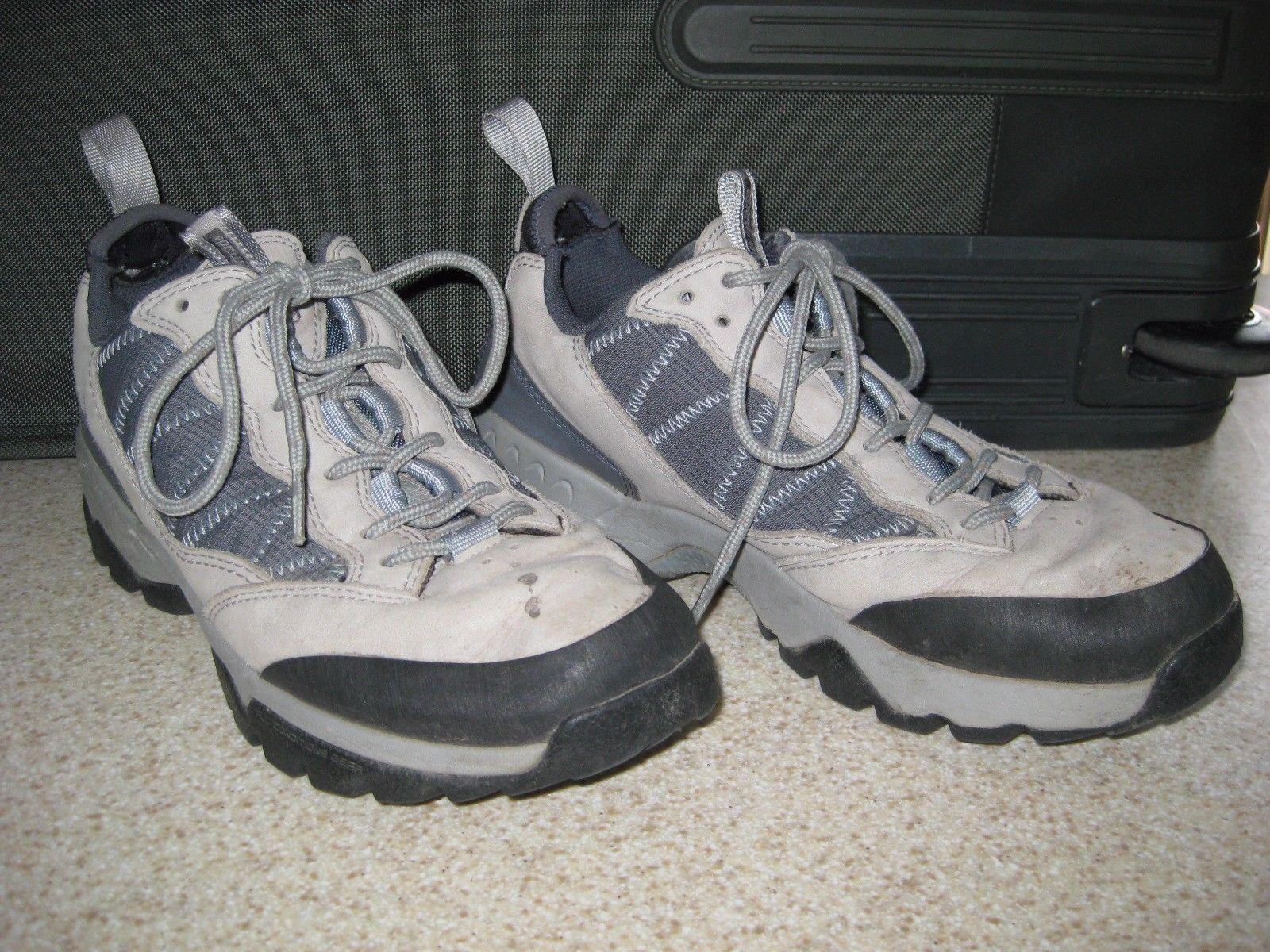 premium selection e1037 030f2 Nike ACG hiking shoes, women size 8.5 and 50 similar items. 57