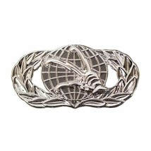 Mid Size Genuine U.S. Air Force Usaf Breast Badge: Communications And Information - $14.83