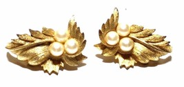 Sarah Coventry Gold Tone Leaf Earrings with Faux Pearls Vintage - $11.39