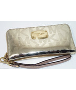 Michael Kors Large Patent-Leather Smartphone Wr... - $99.95