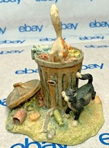 "Lowell Davis ""Bottoms Up"" Figurine  1986 Schmid Cats Trash Can 225270 - $94.03"