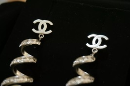 2016 Chanel CC Earrings Pearl Crystal Twist Dangle Runway New Authentic image 8