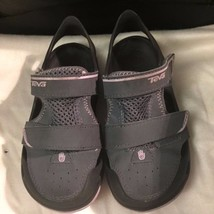 TEVA Girl's Gray/Pink Water Sandals Shoes Size 11 - $9.50