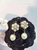 100% AUTH CHANEL CC Camellia Flower DANGLE PEARL DROP EARRINGS LIMITED ED