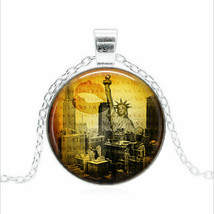 Vintage New York Skyline Cabochon Necklace (13185) >> Usa Seller - $2.97