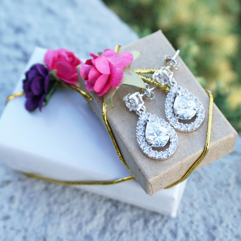 Graceful Sparkling 18k White Gold GP Swarovski Crystal Tear Drop Dangle Earrings