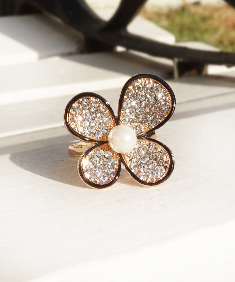 Primary image for HOLIDAY CLEARANCE SALE! Daisy Flower Ring With Swarovski Crystals and Faux Pearl