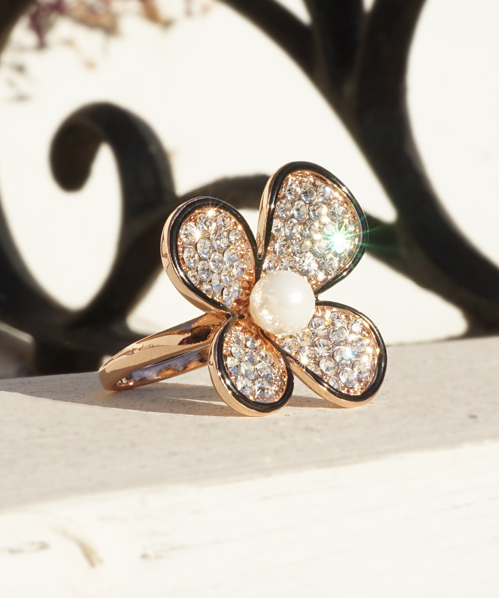HOLIDAY CLEARANCE SALE! Daisy Flower Ring With Swarovski Crystals and Faux Pearl image 2
