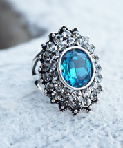 HOLIDAY CLEARANCE SALE! Stunning Bright Ocean Blue Topaz Gemstone Fashio... - $13.45