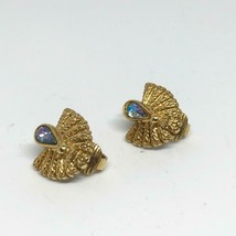 Vintage Monet Signed Clip On Earrings Jewelry - $14.84