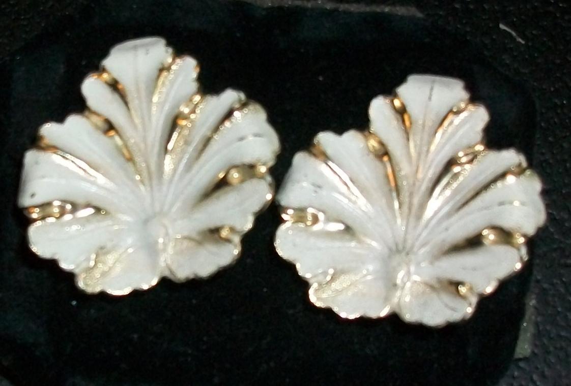 Vintage Clip-on White Enameled Leaf Earrings