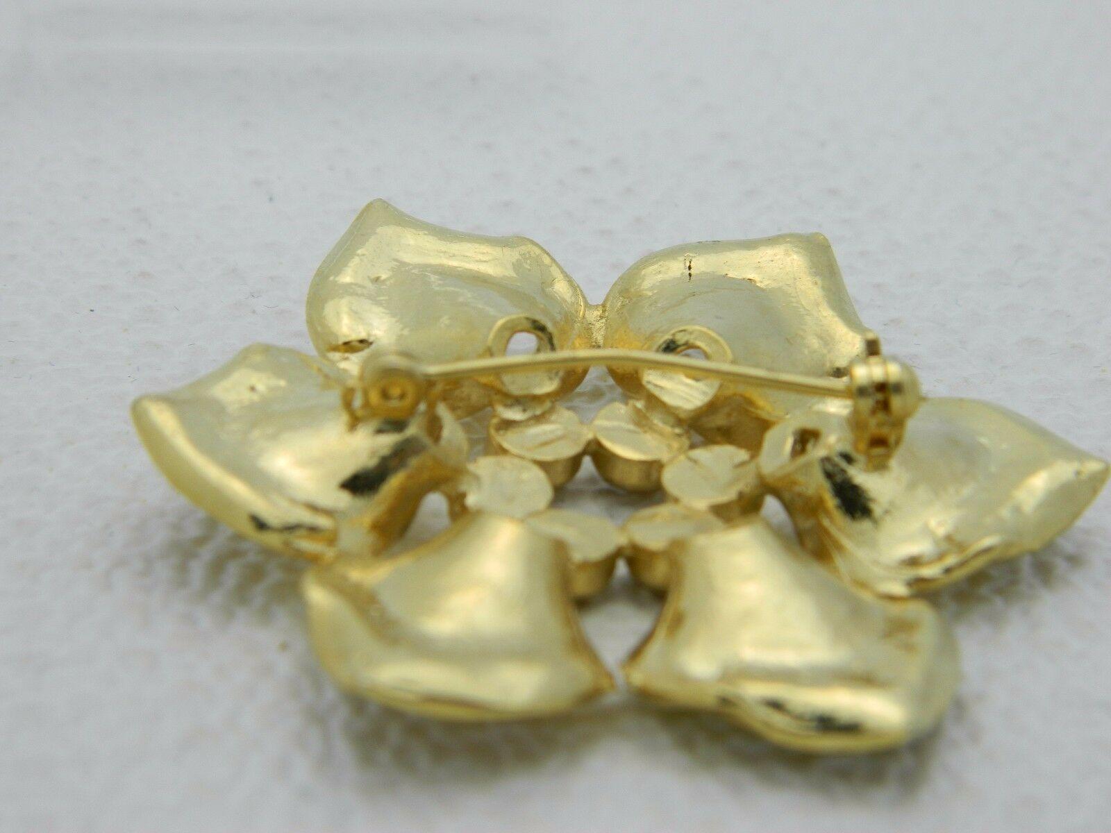 Vintage Gold Tone Purple Rhinestone Flower Pin Brooch image 4