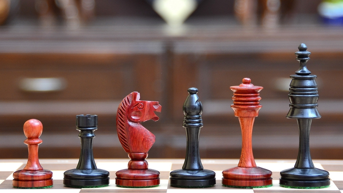 "The Castle Series Unique Chess Pieces in Ebony & Bud Rose Wood - 3.4"" King M0016"