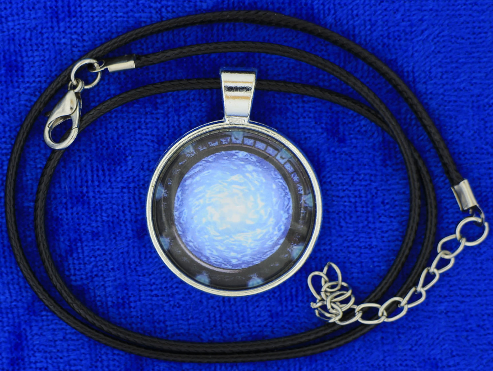 Stargate cabochon necklace choker